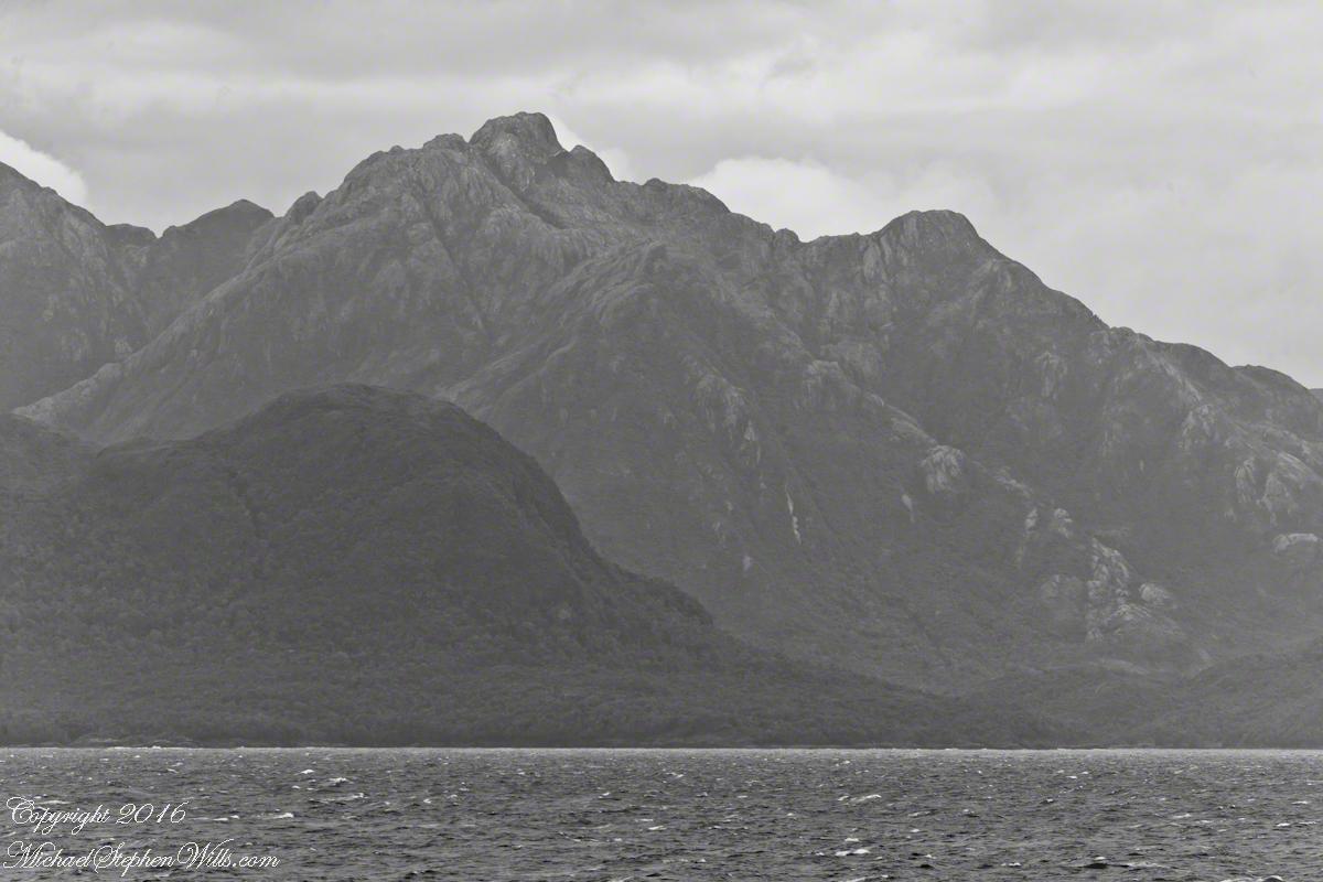 Larenas Peninsula High Ridge Closer 5