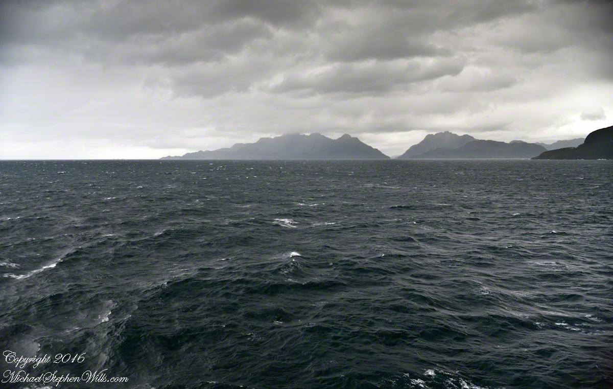 Peninsulas Larenas, Fresia, the Gulf of Penas