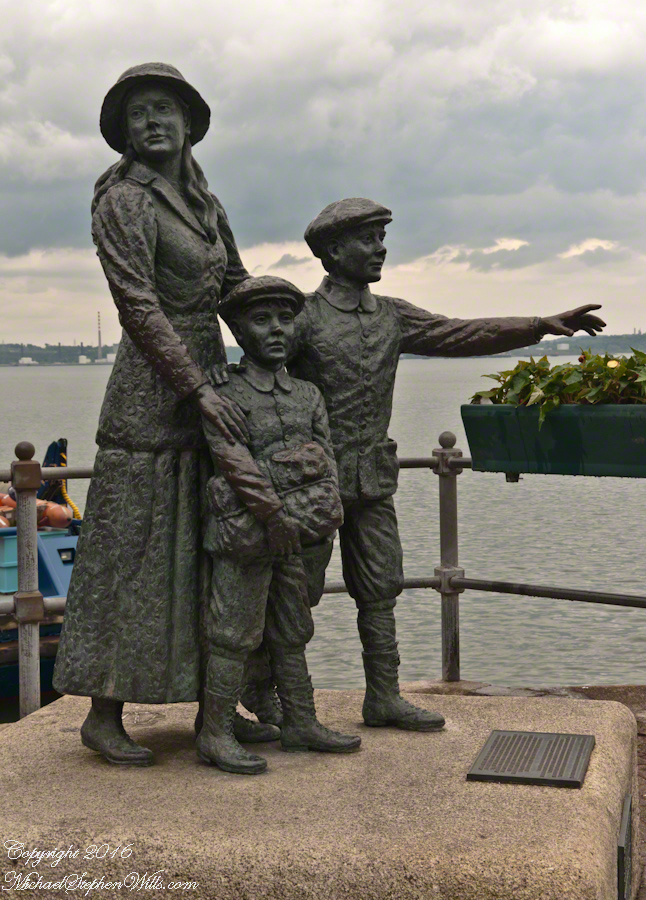 Annie, Anthony and Phillip Moore Statue, Cóbh– CLICK ME!!!!