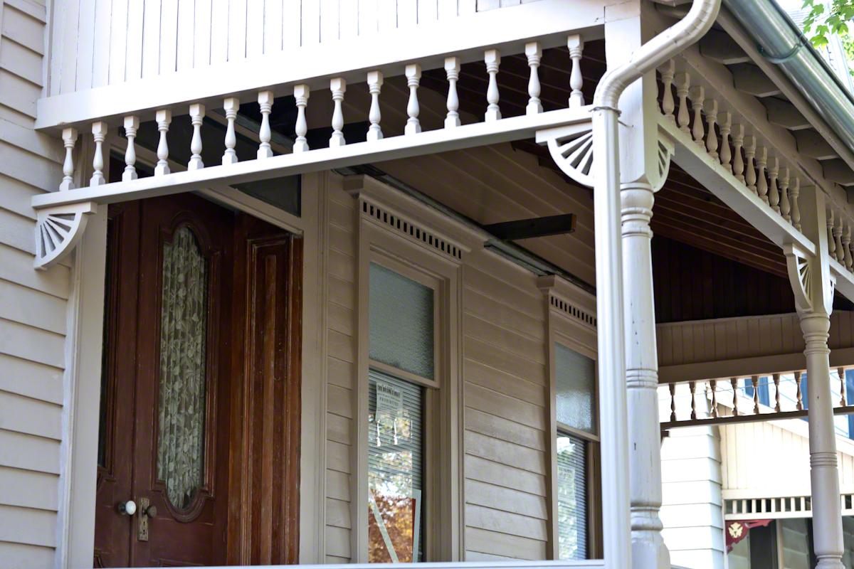 Dennis-Newton House Door, Porch