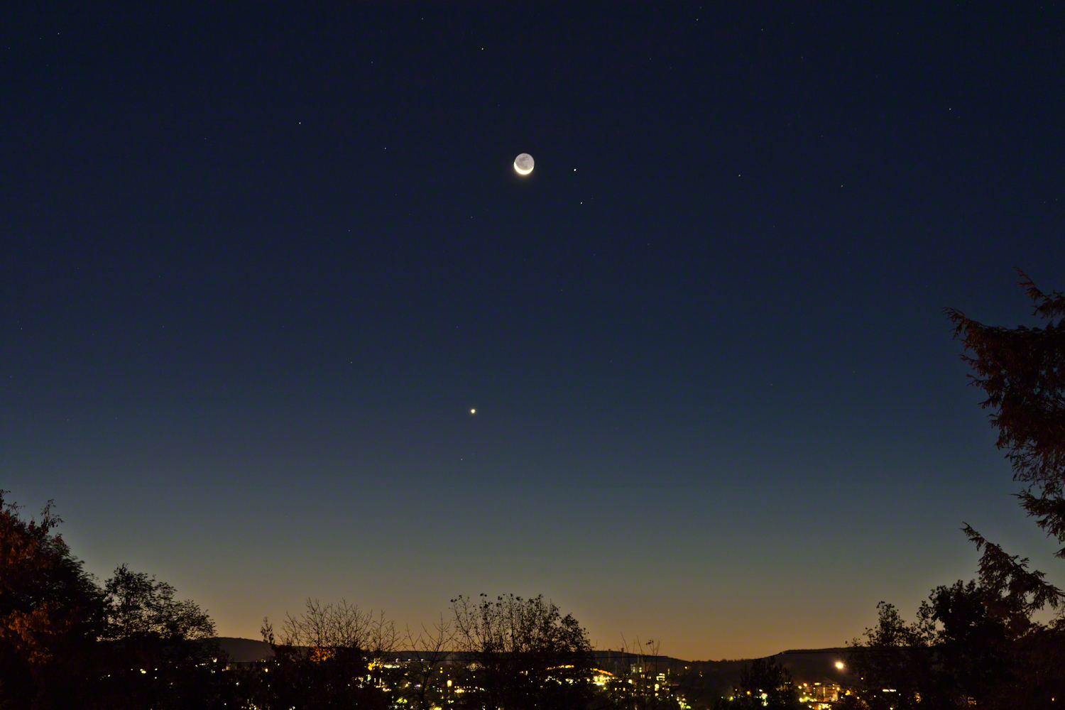 Thin Crescent with Planets, Stars, Dawn