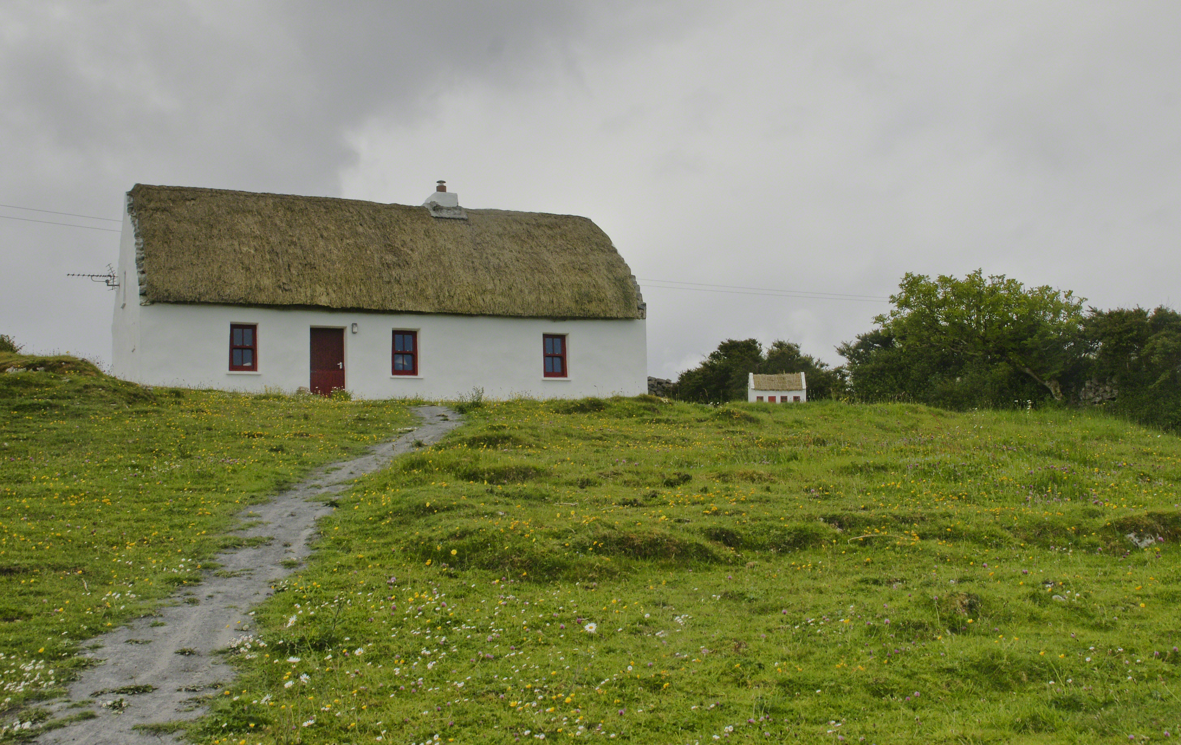 Thatched Cottage with playhouse on Inishmore